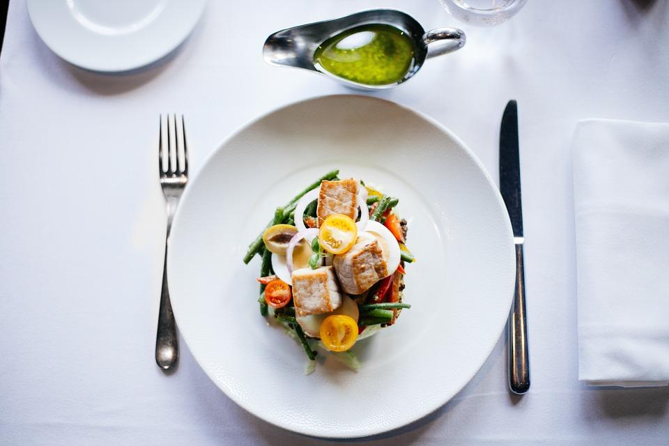 Restaurants of Vizag found serving stale food