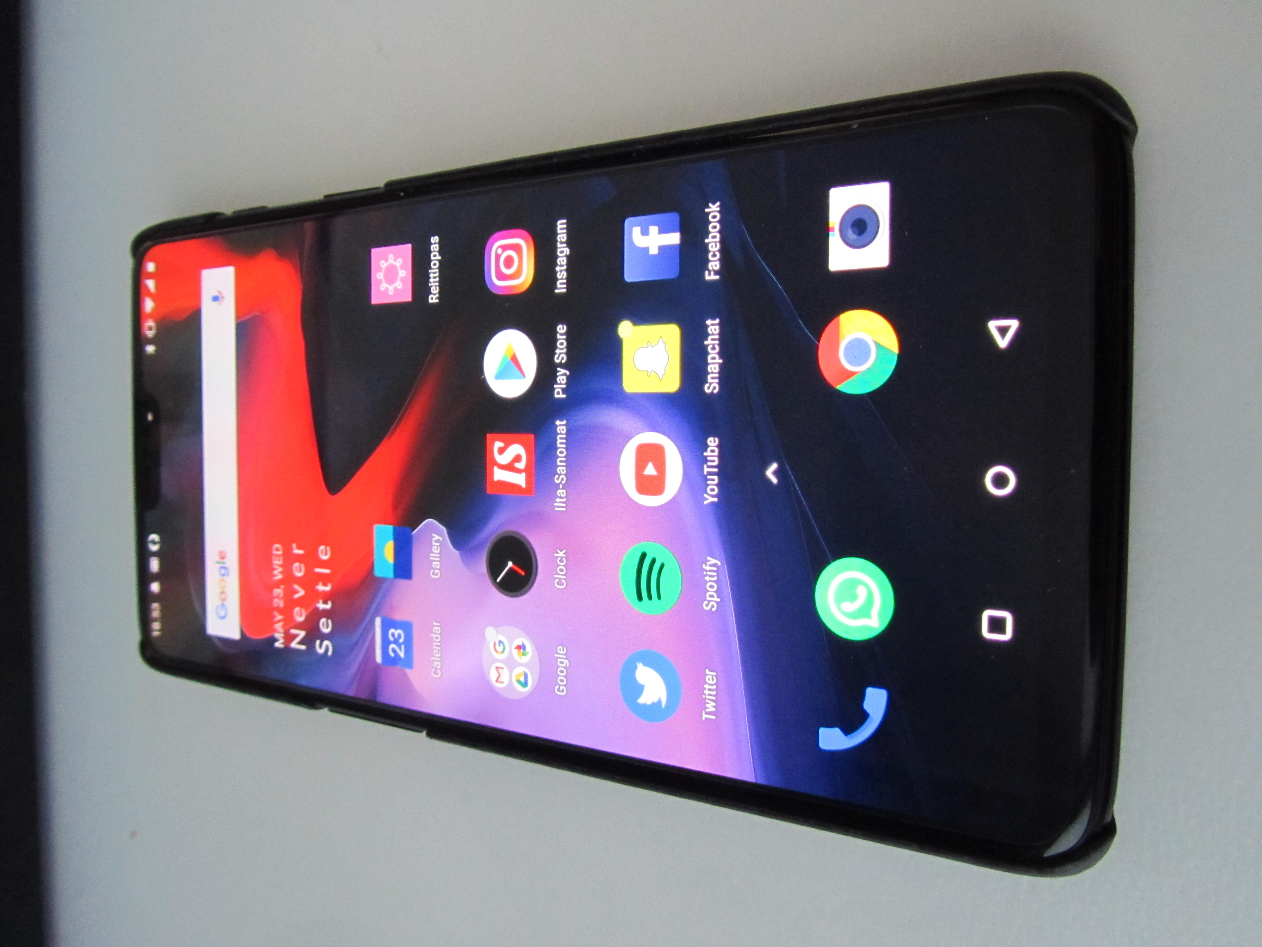 best smartphones under 40000 .
